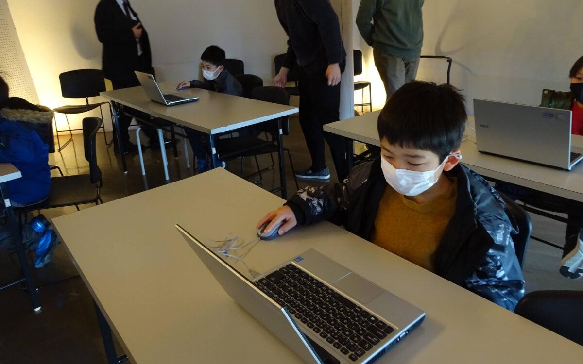 加賀市の中谷宇吉郎 雪の科学館で小学生を対象としたゲーム制作や人型ロボットの制御体験講座を実施