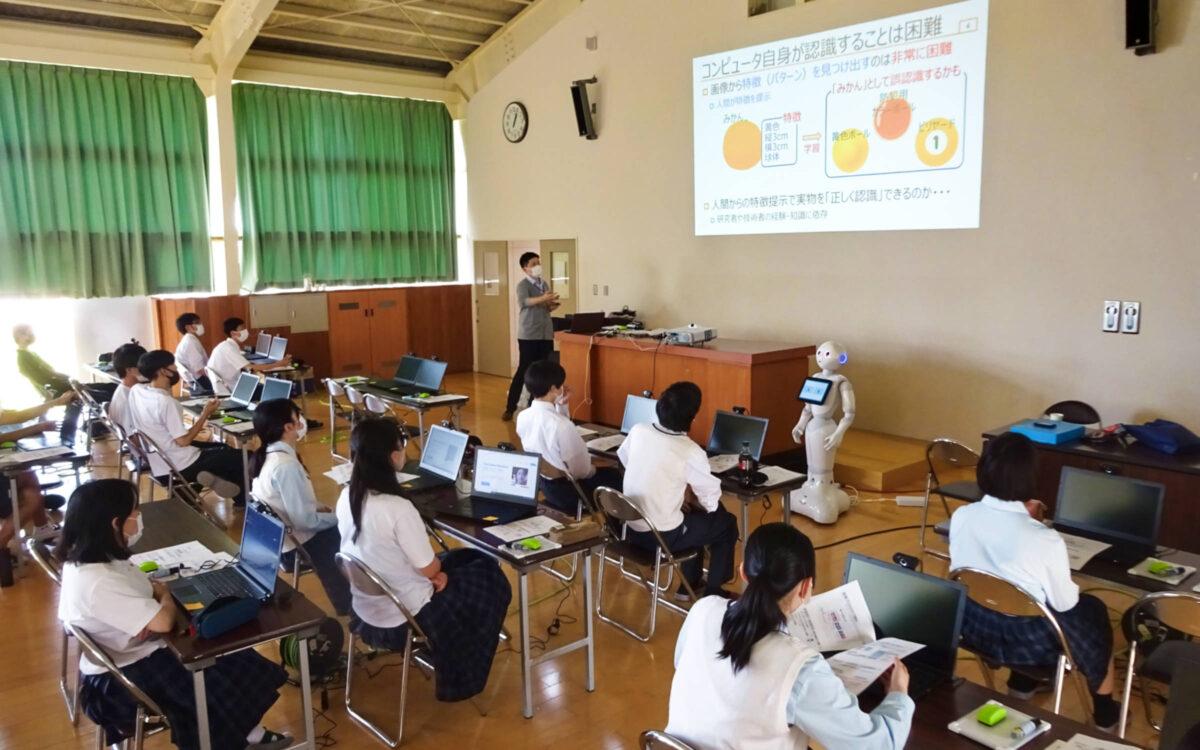 石川県立寺井高等学校にてデータサイエンス基礎講座を開催。